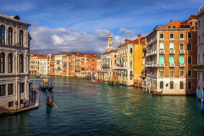 broitaly rialto venice kanaltusen dollar venice Arkitektur och gränsmärken av Venedig Venedig vykort med Venedig gondoler royaltyfri foto