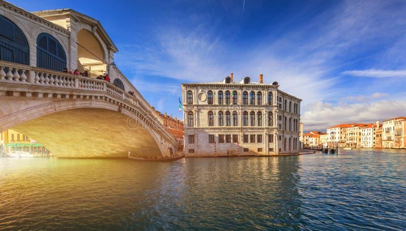 broitaly rialto venice kanaltusen dollar venice Arkitektur och gränsmärken av Venedig Venedig vykort med Venedig gondoler royaltyfria bilder