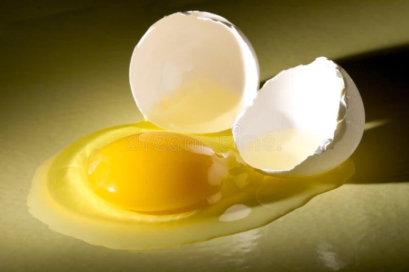 broken ägg arkivbild