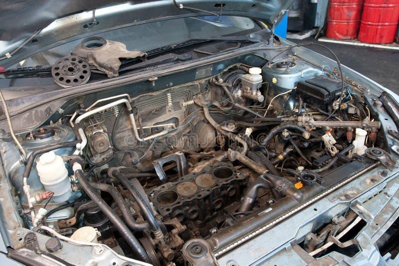 broken bilmotor royaltyfri foto