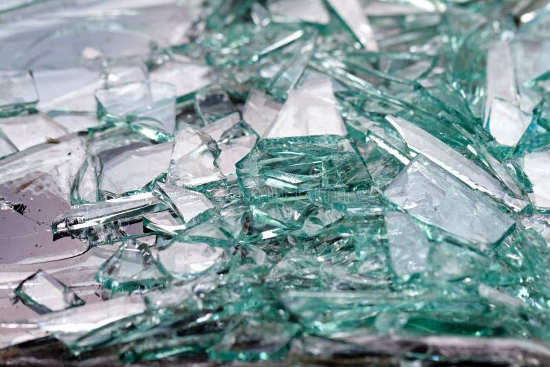 broken bilstöldfönster arkivbild
