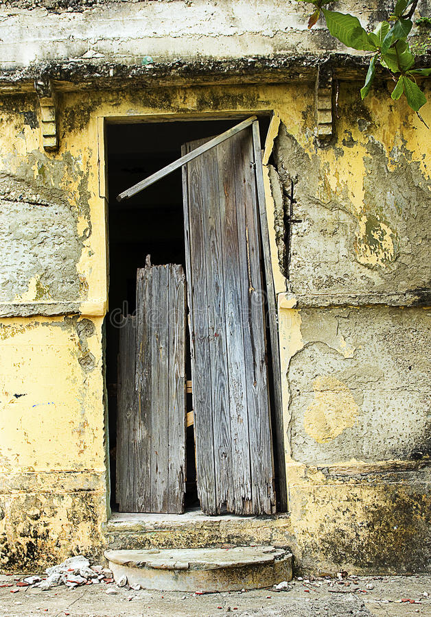 Download Broken Door And Facade Stock Photo. Image Of Farm, Robbed    31133184
