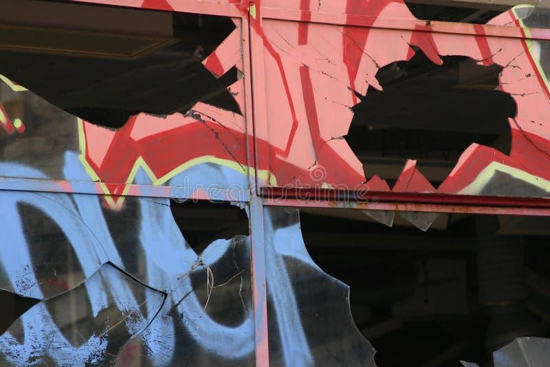 broken fönster arkivbilder