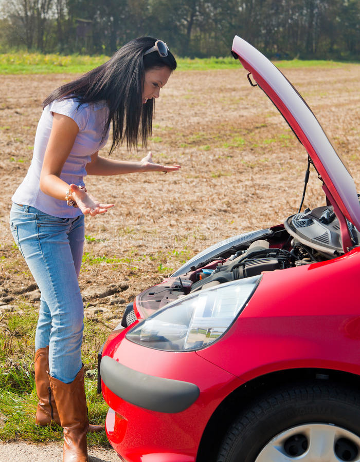 broken för bil tonåring ner arkivbilder