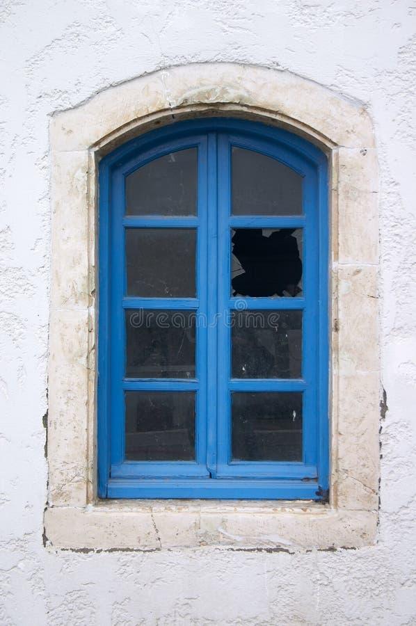 broken gammalt fönster fotografering för bildbyråer