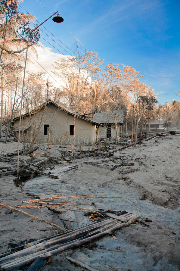 Download Broken House And Settlement Stock Image - Image: 21535277