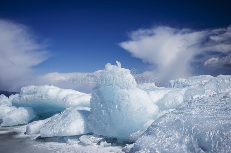 Broken Ice On Sunny Day Royalty Free Stock Images