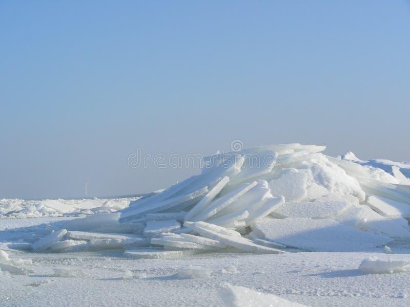 Download Broken isberg fotografering för bildbyråer. Bild av vinter - 523221