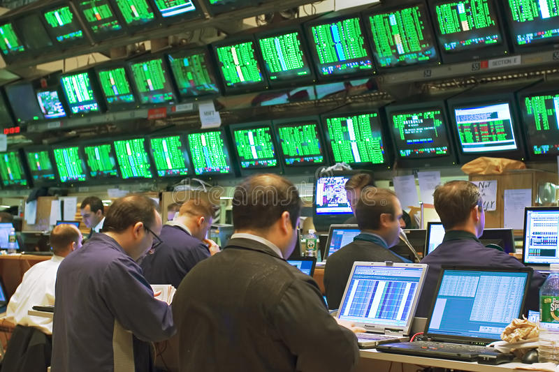 Download Brokers And Screens 02 Editorial Image - Image: 13867555