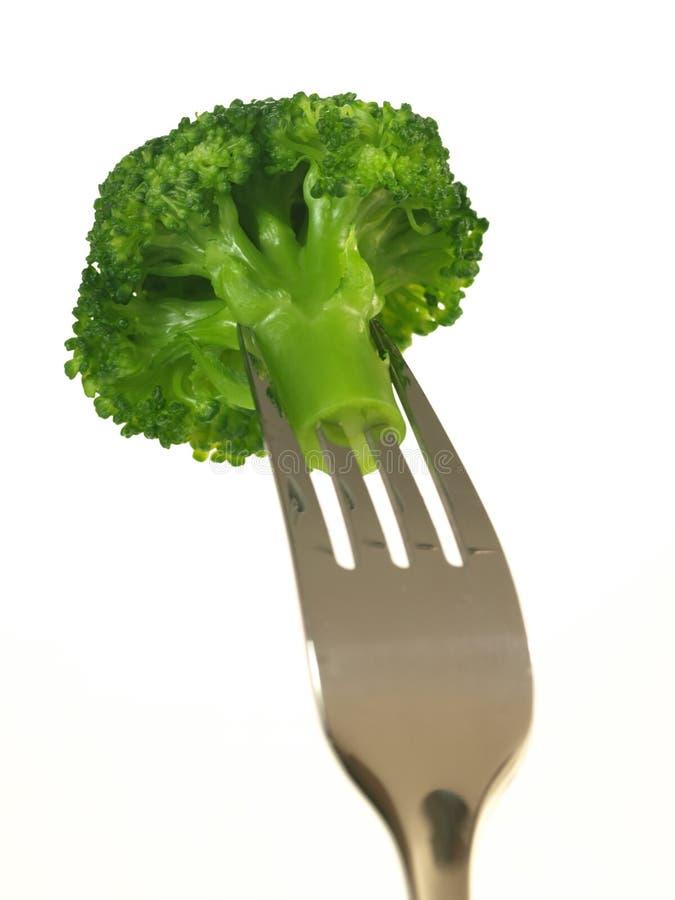 Brokkoli auf der Gabel, getrennt stockfoto