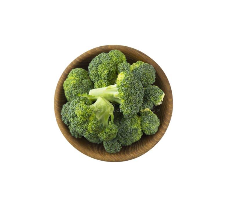 Brokkoli in der hölzernen Schüssel Beschneidungspfad eingeschlossen lizenzfreie stockfotos