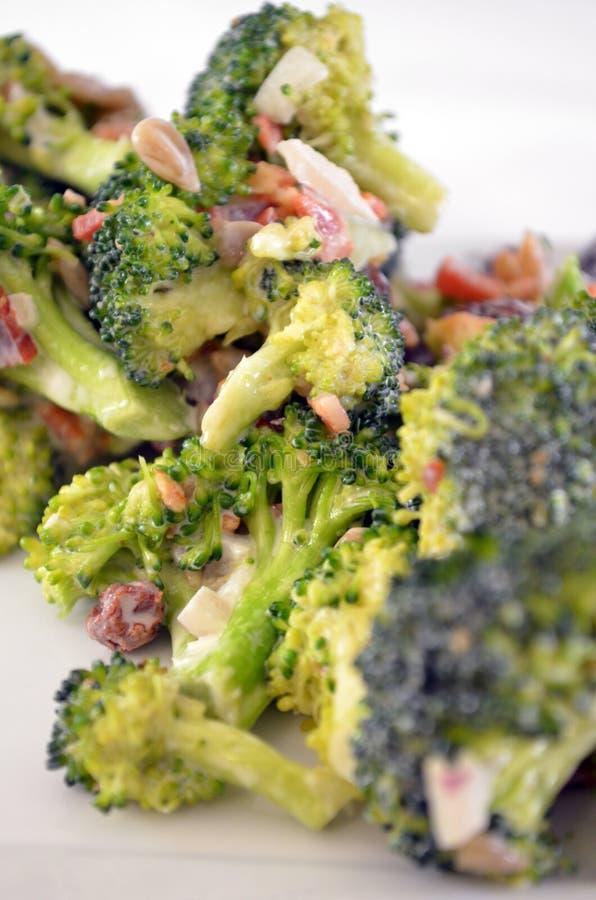 Brokkoli-Speck-Salat stockfoto