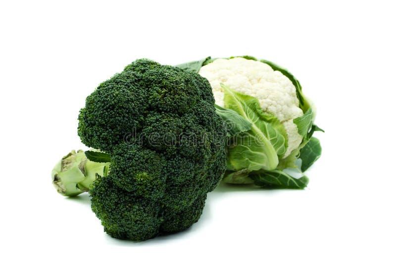 Brokuły i kalafior odizolowywający na białym tle zdjęcie stock