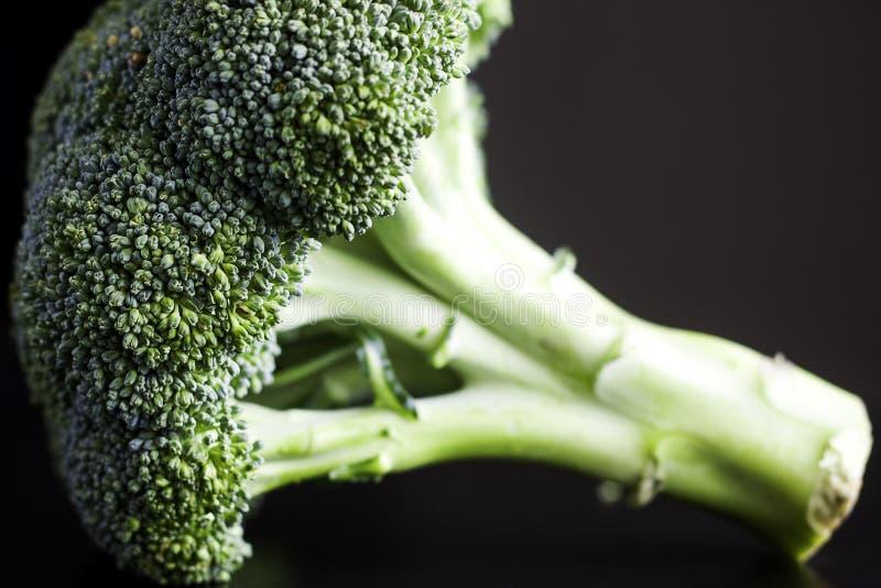 Download Brokuły obraz stock. Obraz złożonej z stół, brokuły, świeży - 57662075