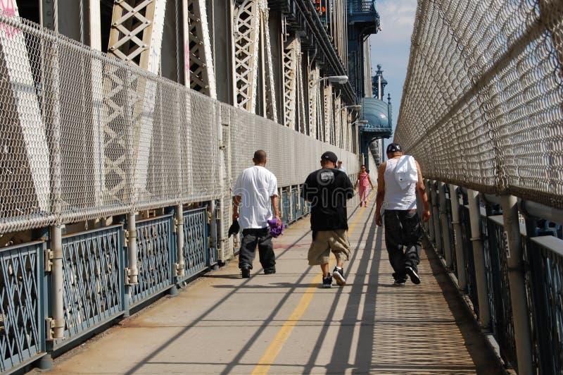 bromanhattan nya tonåringar stads- york arkivfoton