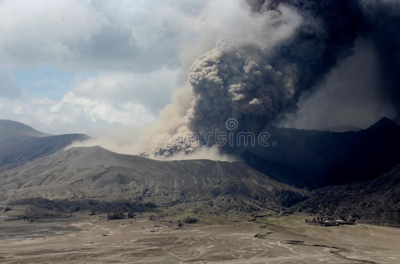 Bromo erupcja zdjęcia royalty free