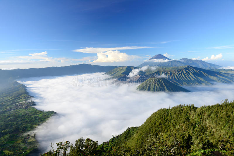 Bromo-Vulkan in Indonesien stockfotos