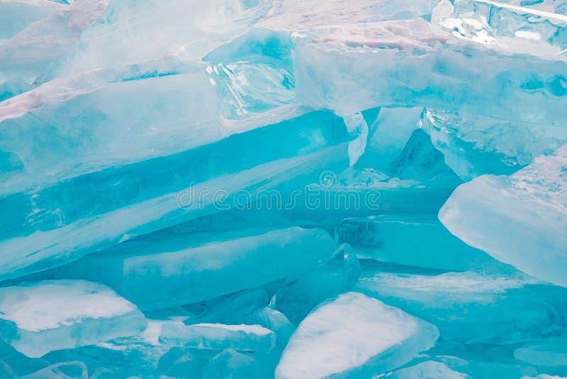 Bromsa is på den djupfrysta vattenLake Baikal vintern krydda naturligt royaltyfria bilder