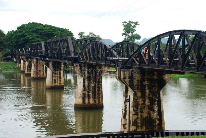 Bron över floden Kwai. Kanchanaburi Thailand arkivbilder