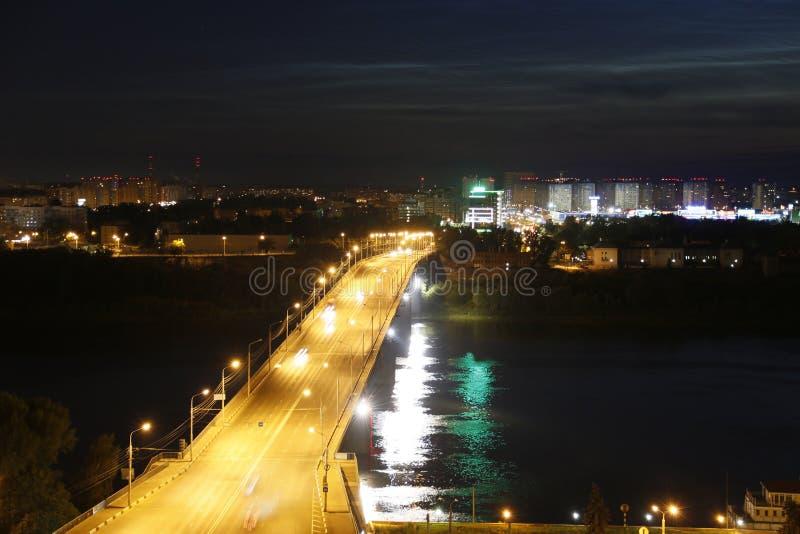 Bron över Volgaet River royaltyfri fotografi