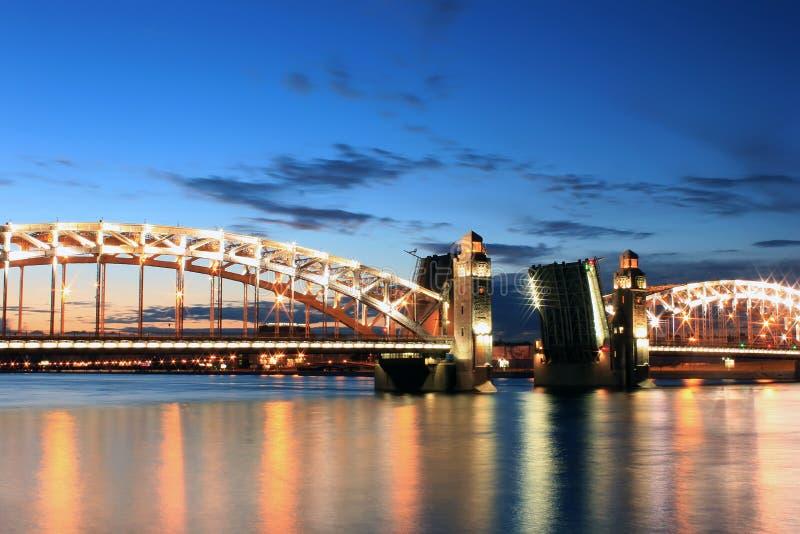 Bron av Peter det stort, St Petersburg, Ryssland fotografering för bildbyråer