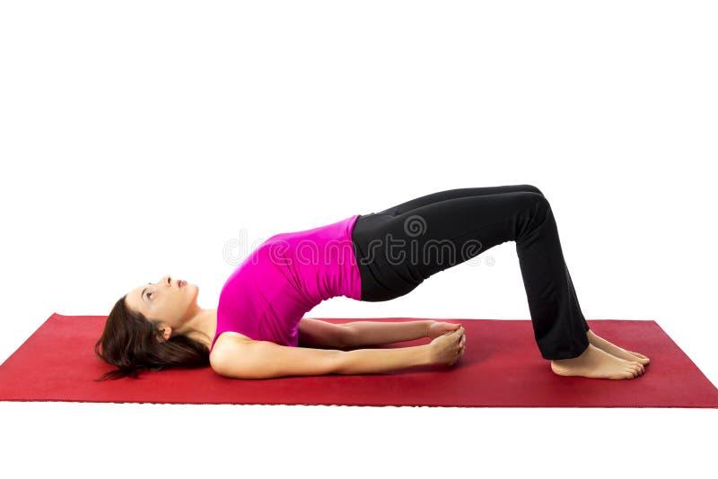 Bron poserar i yoga fotografering för bildbyråer