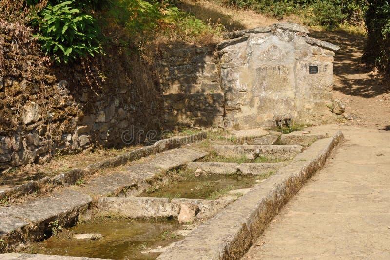 Bron van Villardeciervos, de berg van La Culebra, Zamora provincie, royalty-vrije stock afbeelding