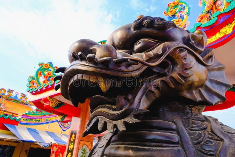 Broncee la estatua llamada unicornio Dragón-dirigida del qilin o del kylin fotos de archivo libres de regalías