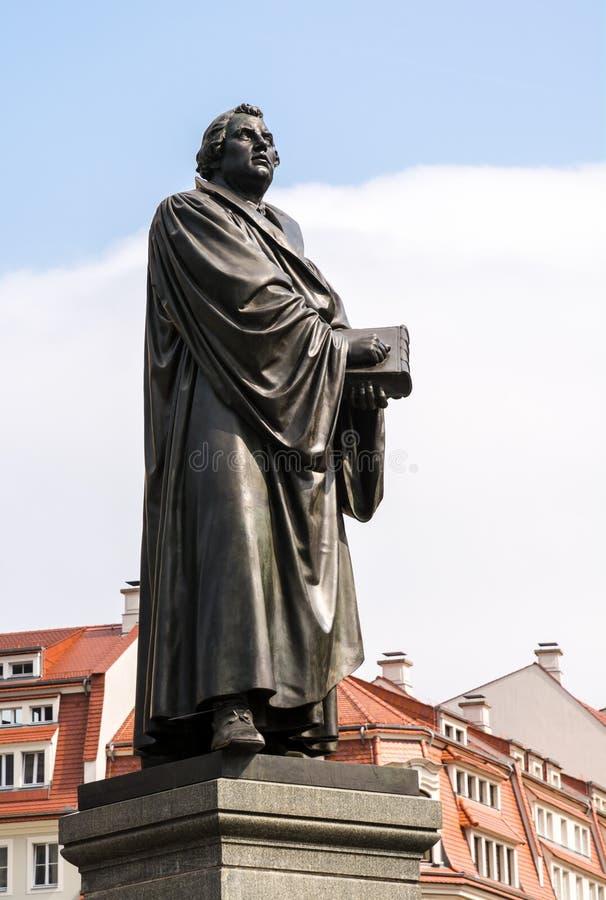Broncestandbeeld van Martin Luther stock foto's
