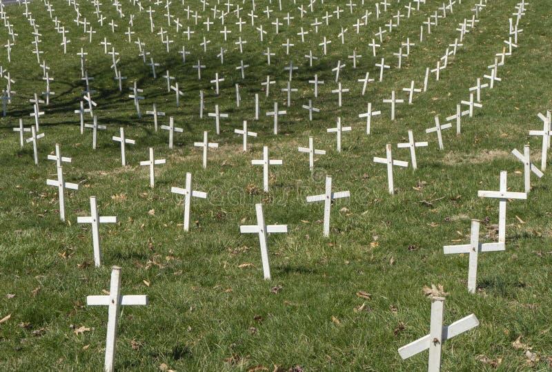 Broniący życia biel krzyże zdjęcie stock