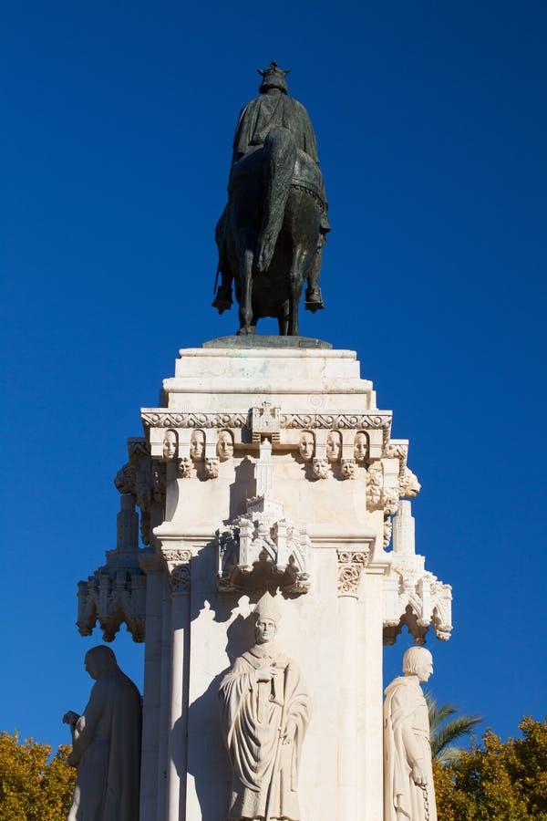 Brons ruiterstandbeeld van Ferdinand III, Sevilla, Spanje stock afbeelding