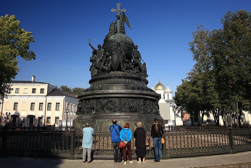 Bronsmonument till milleniet av Ryssland arkivfoto
