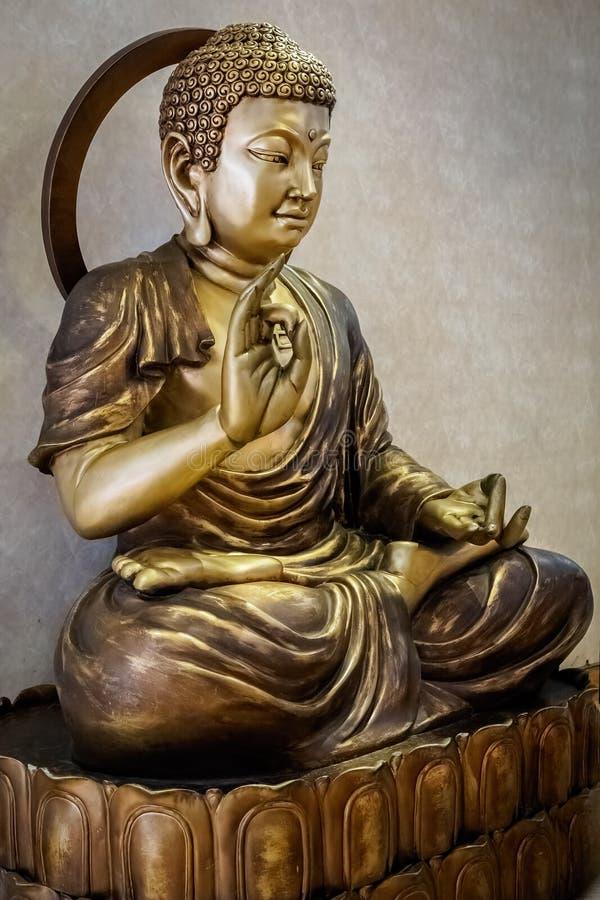 Bronsstaty av Buddha royaltyfri fotografi