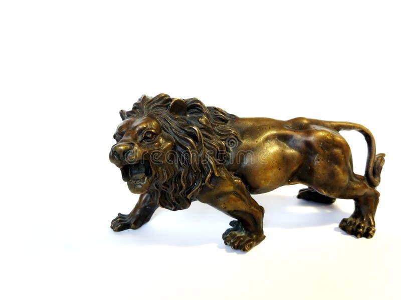 Bronsstatyett på vita bakgrundsdjur royaltyfria bilder