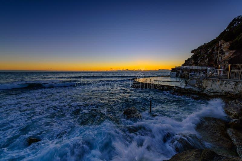Brontestrand bij zonsopgang Sydney Australia stock fotografie