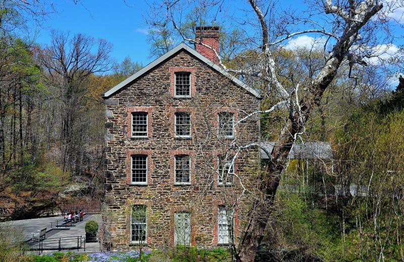 Bronx, Νέα Υόρκη: 1840 παλαιός πέτρινος μύλος στοκ εικόνες