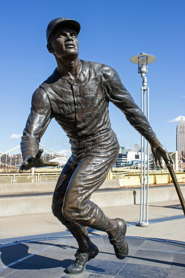 Bronze Roberto Clemente. Bronze Statue of Pittsburgh Pirate Roberto Clemente in Front of Heinz Field Stadium in Downtown Pittsburgh royalty free stock image