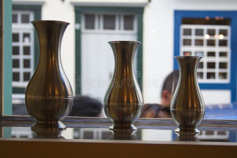 bronze vases royaltyfria bilder