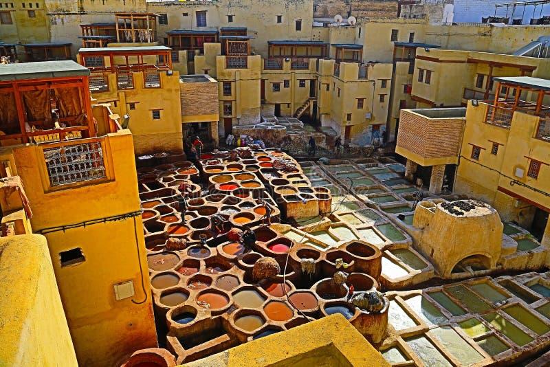 Bronzear-se de couro no fez, Marrocos imagens de stock