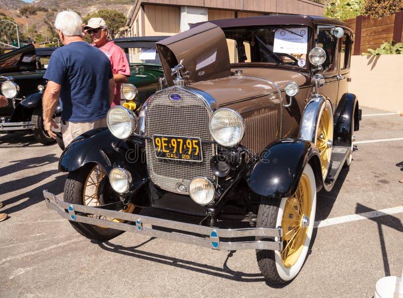 Bronzear-se Ford Deluxe Town Sedan 1929 imagem de stock