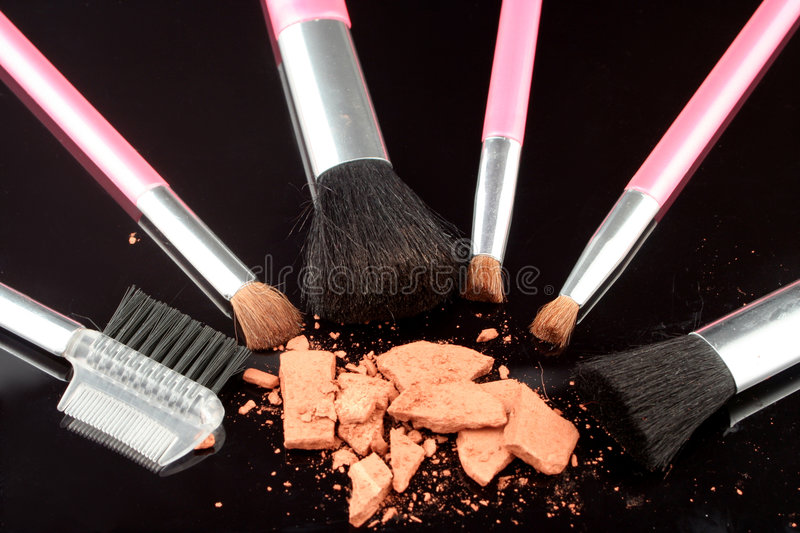 Download Bronzer And Brushes Royalty Free Stock Image - Image: 519966