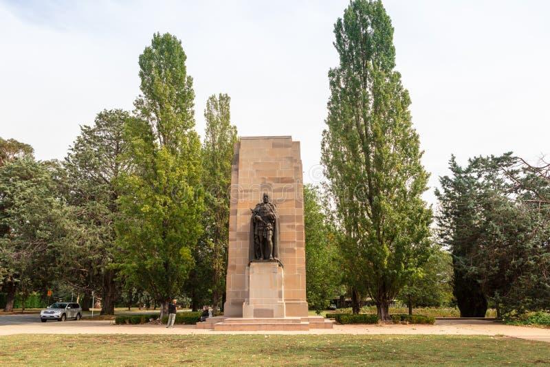 Bronzeskulptur des Königs George V ist ein Teil des Denkmals WW1 in Canberra stockfotografie