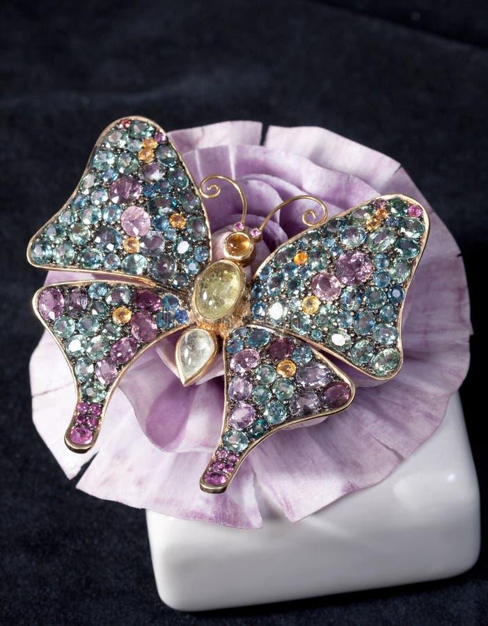 Brooch do diamante na forma da borboleta imagens de stock royalty free