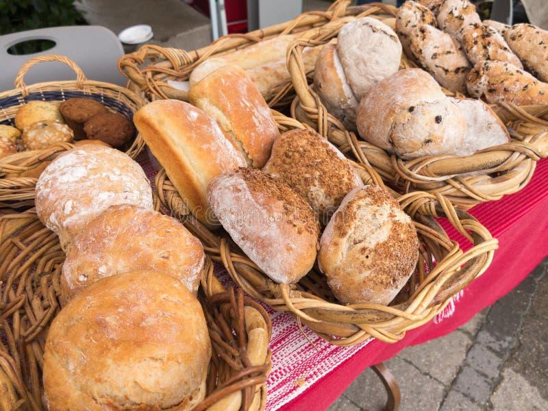 Brood bij Landbouwersmarkt royalty-vrije stock foto