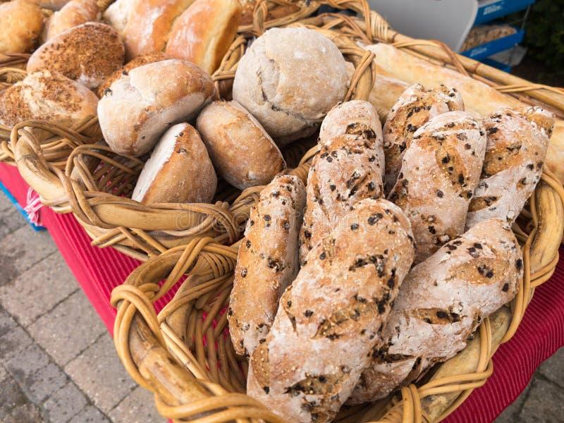 Brood bij Landbouwersmarkt royalty-vrije stock afbeelding