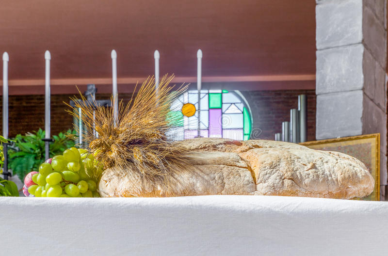 Brood, druiven en tarwesymbool van Christian Holy Communion in CH stock afbeelding