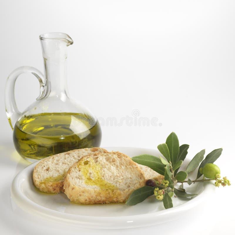 Brood en olijfolie royalty-vrije stock afbeelding