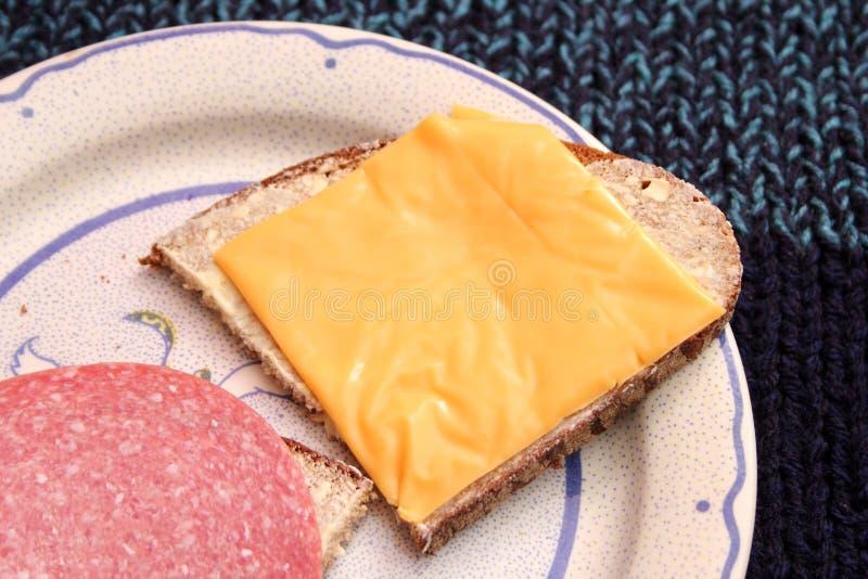Brood met boter en kaas royalty-vrije stock afbeelding