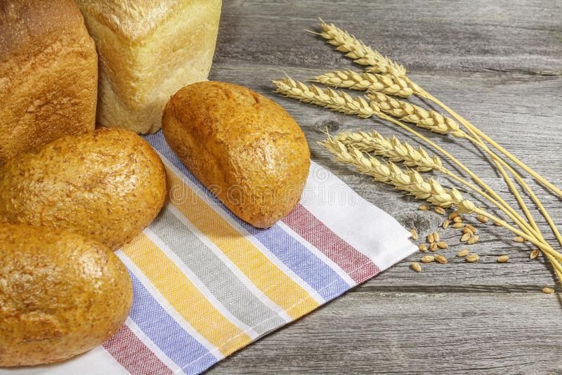 Brood met oren op de lijst stock foto