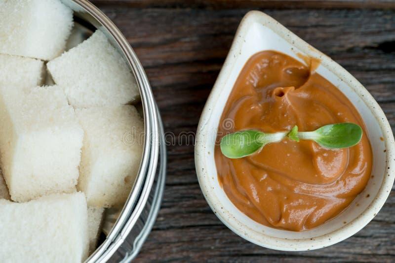 Brood met Thaise heerlijke theevla royalty-vrije stock fotografie